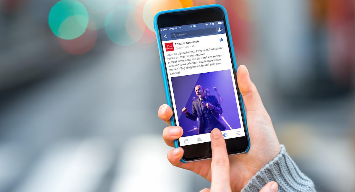 Social marketing facebook advertising