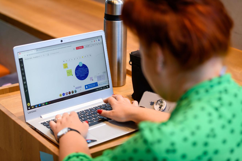 opleiding-overheid voorbereiding laptop